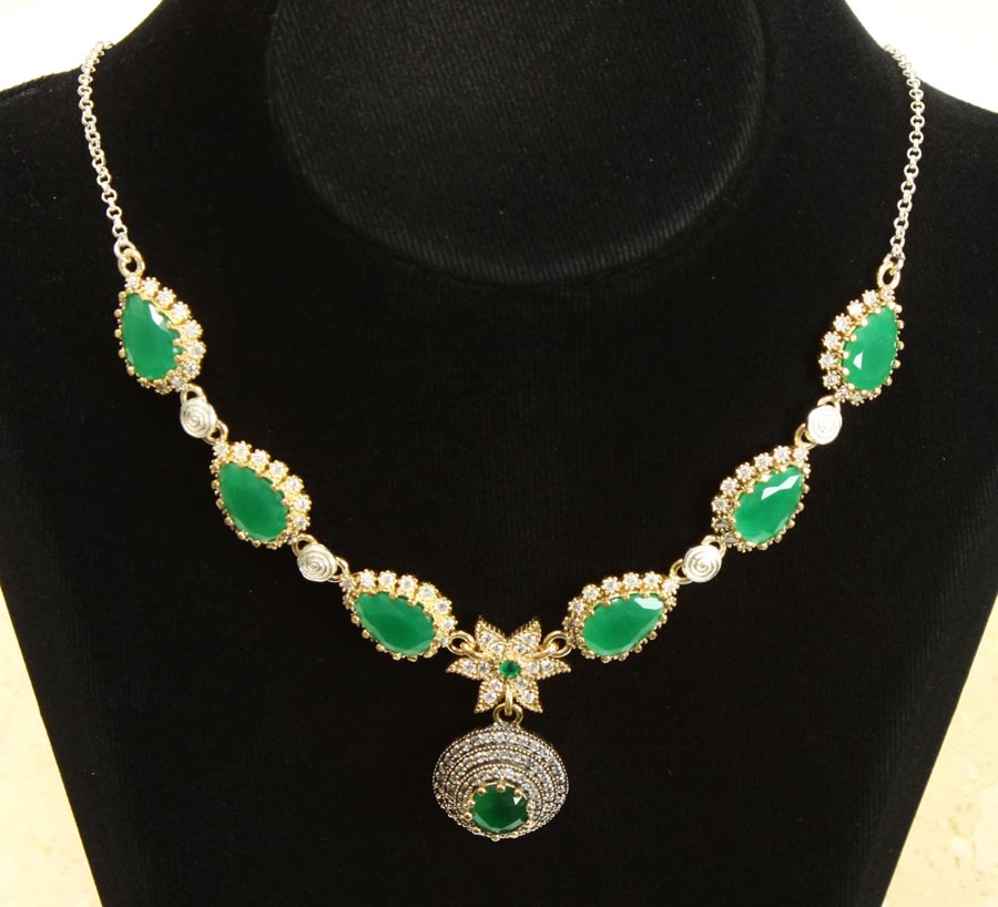 Silver necklace with jade and zerconia